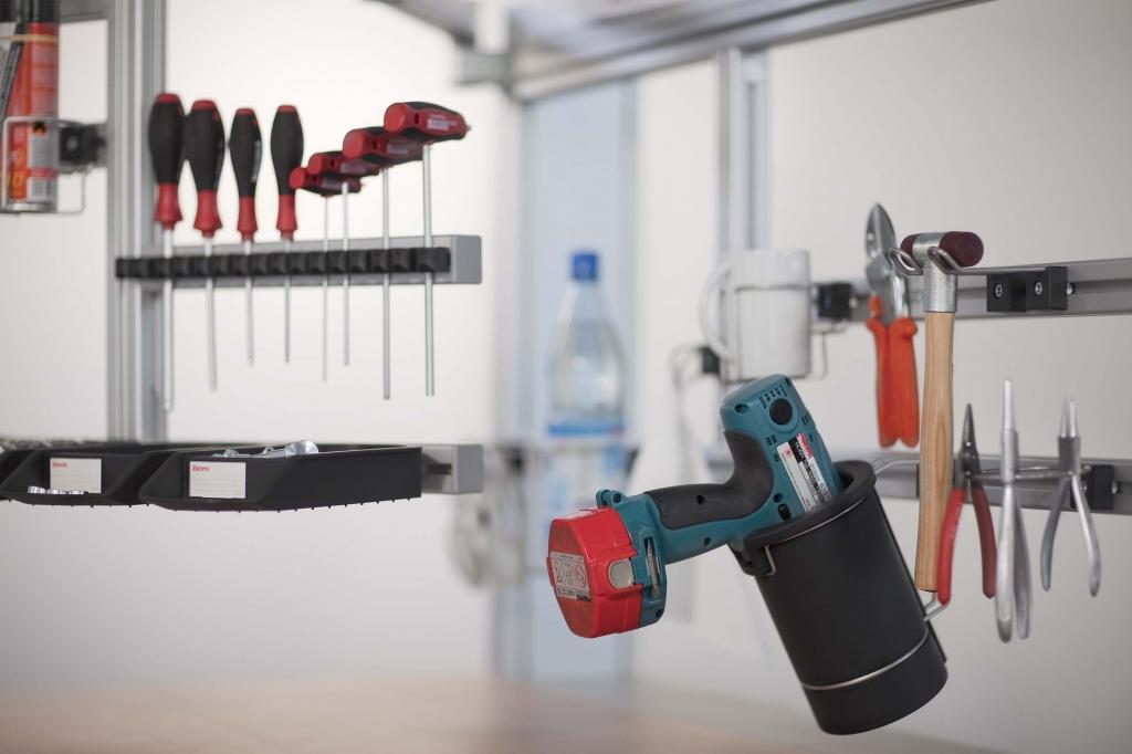 Tool handling